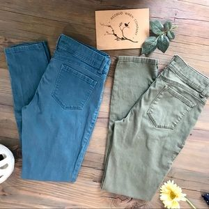 2 pair of bongo color pop jeggings in teal & olive